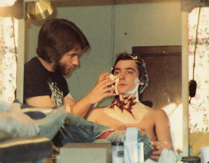 Rick Baker working on Griffin Dunne (Jack)