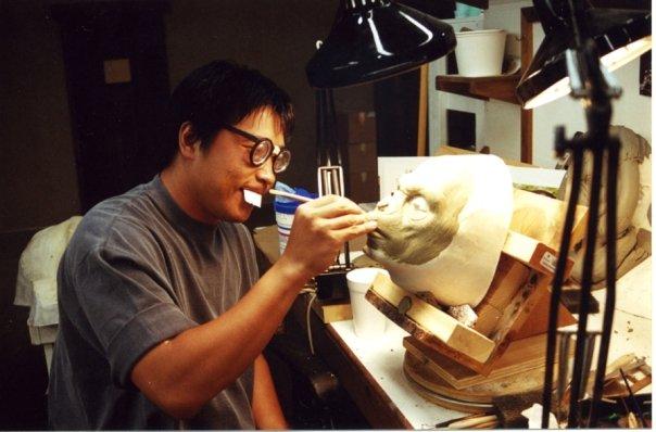 Moto Hata sculpting
