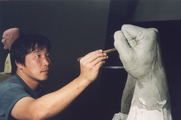 Moto sculpting Mr. Hydes fist for the 2003 film 'The League of Extraodinary Gentlemen'
