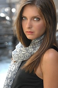 Justine Wachsberger as Gianna