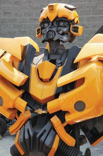 Full-scale screen used Hero Bumblebee robot from Transformers